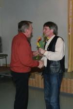 Uwe Ebermann dankt Bernd Vogt für seine Arbeit als übungsleiter in der Seniorengruppe - Uwe Warmuth