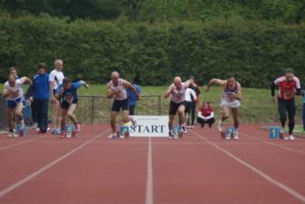 13.05.2010: 60 m (Uwe Warmuth [40], rotes Hemd) - Kay Schmarsow