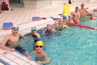 Schwimmtraining kann Spaß machen - Bautzener Triathlon-Freunde