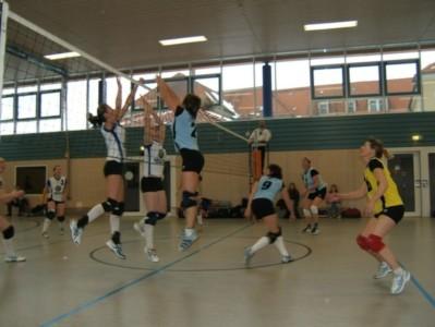 Volleyball-Frauen geben alles: Doppelsieg am 6. Spieltag